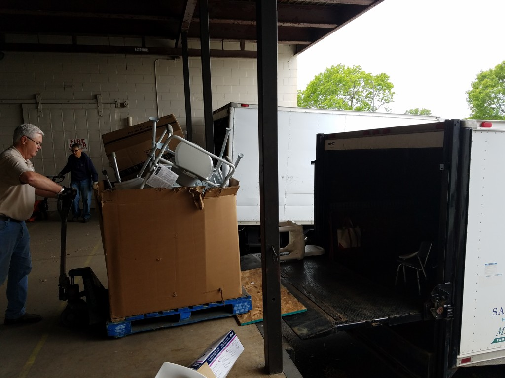 HERO dropping off and picking up supplies at Mano a Mano on May 24, 2017.