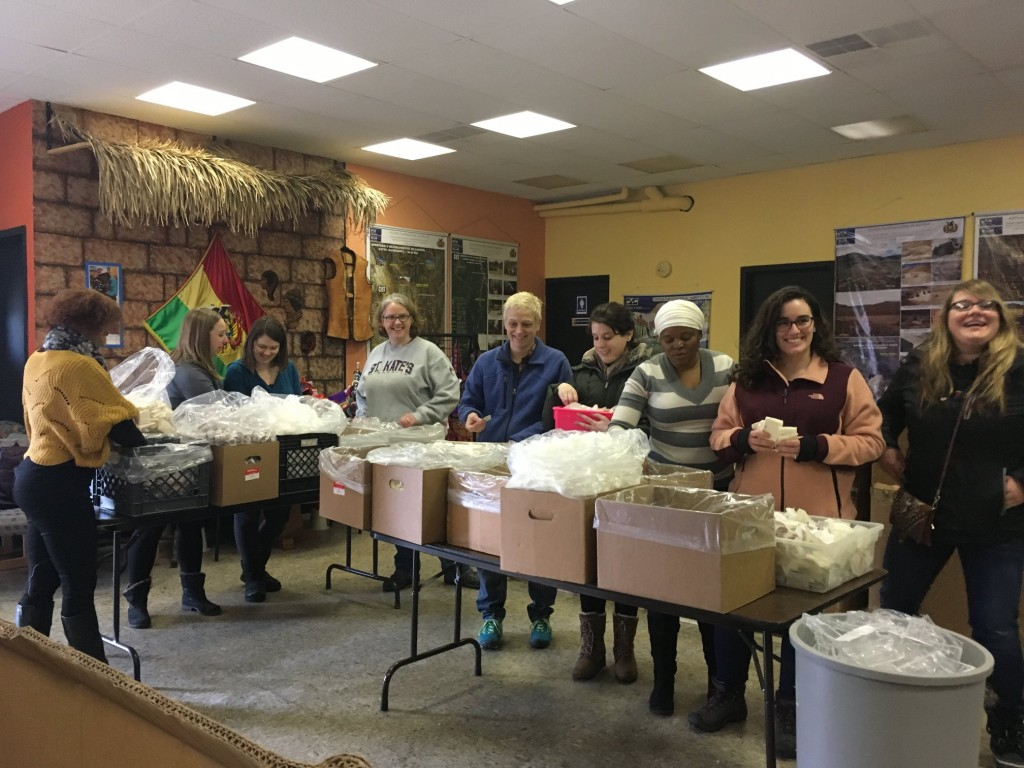 Volunteer Opportunities at Mano a Mano – Late February 2018