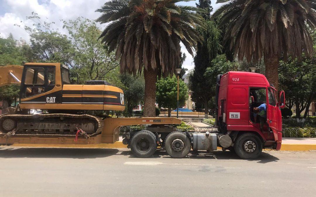 Unloading Equipment for the Laguna Carmen, Bolivia Water Reservoir Project